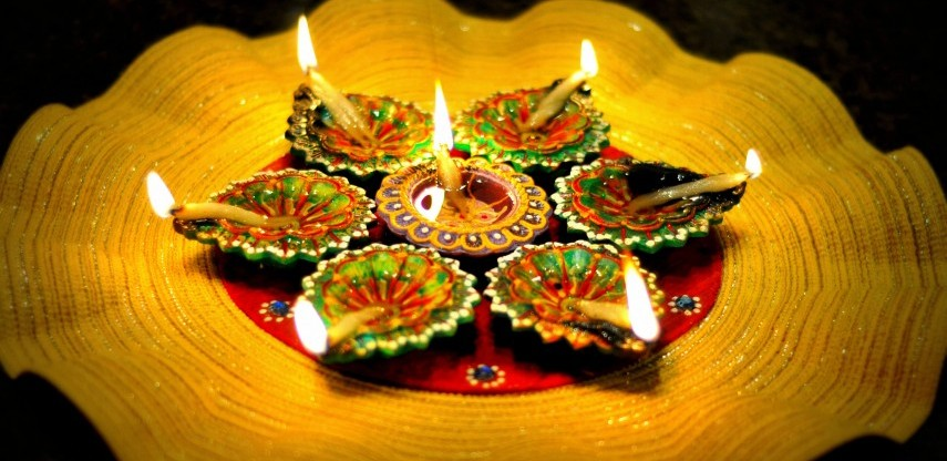 Follow these vastu tips when performing lakshmi puja this diwali Home made decoration items for diwali