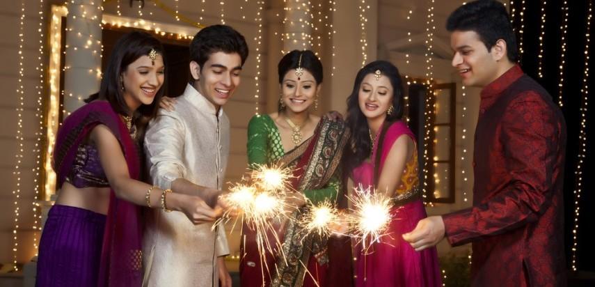 Diwali Ki Tyaari Easy Ways To Light Up Your Home For Diwali