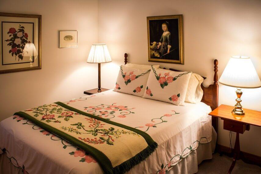 bedroom-374977_1920