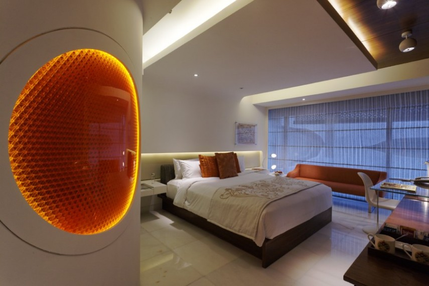 The Park Hyderabad - Luxury Room in Coral Jewel Tone