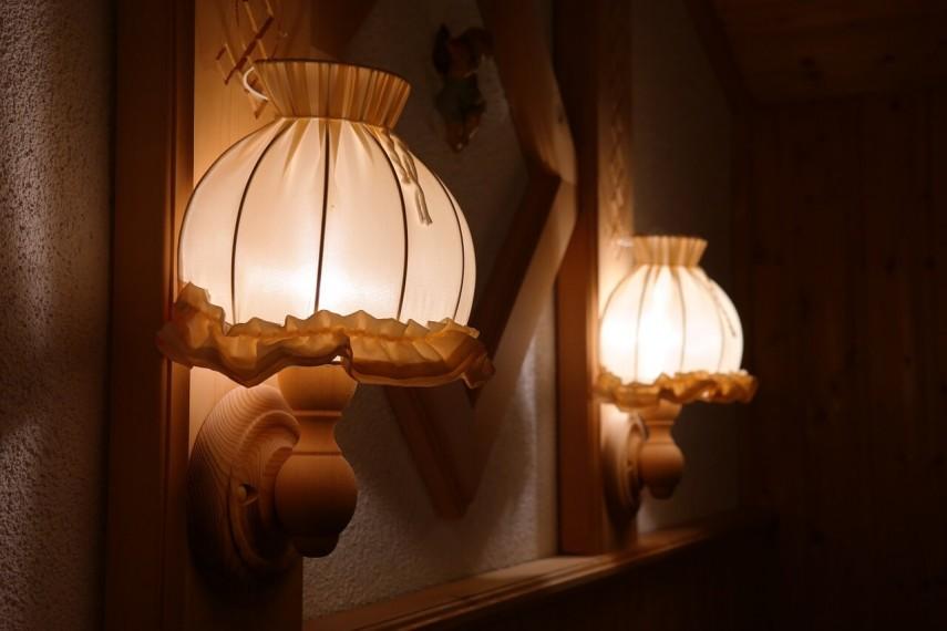 lamp-356421_1280