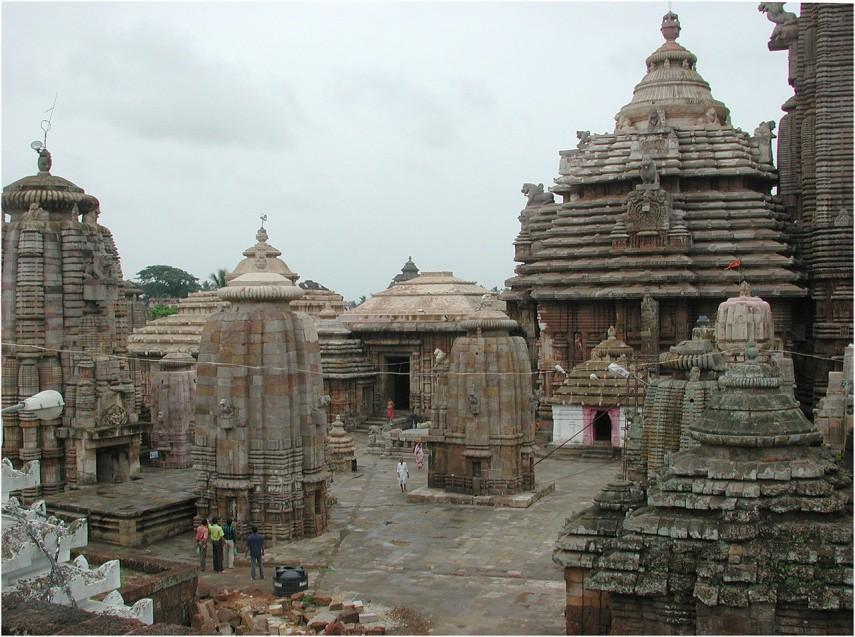 -Lingaraj_temple_Bhubaneswar_11005