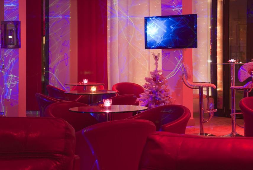 Lounge_bar_in_ouagadougou