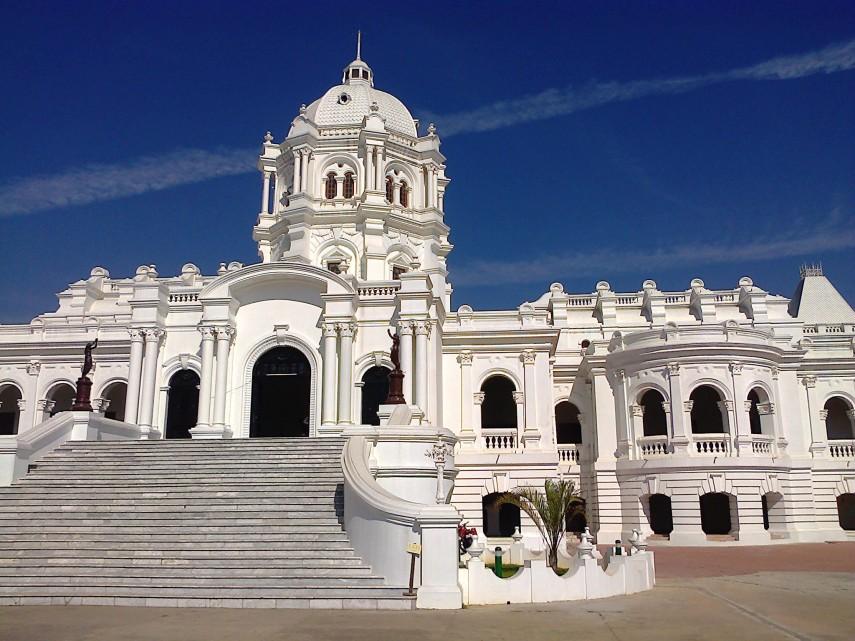 Ujjayanta Palace (commons.wikimedia.org)