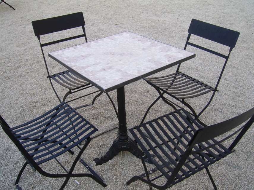 iron-table-and-chairs