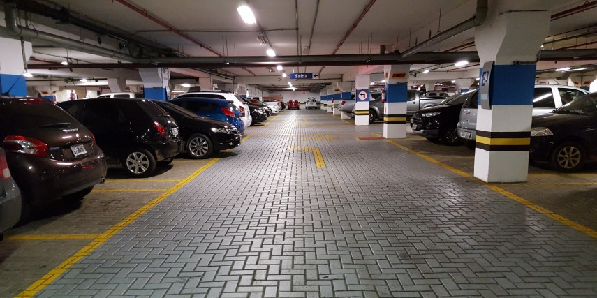 Should You Pay For Parking At Malls Complexes Housing
