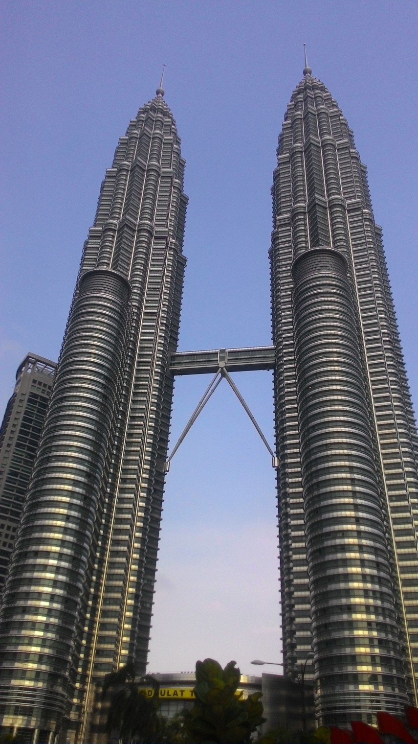 Twin Towers - Find 5 Beautiful Iconic Twin Towers Across ...