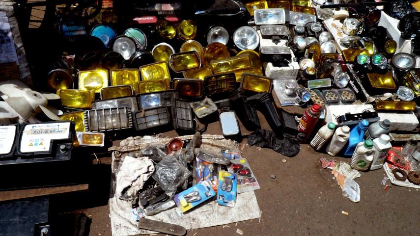 chor bazaar (wikimedia.org)