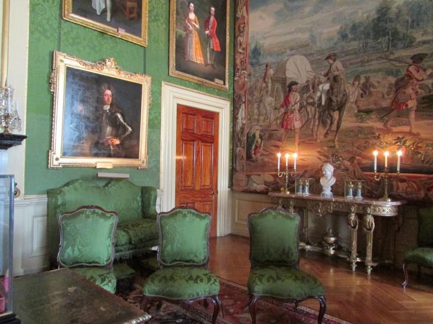 Blenheim_Palace_writing room