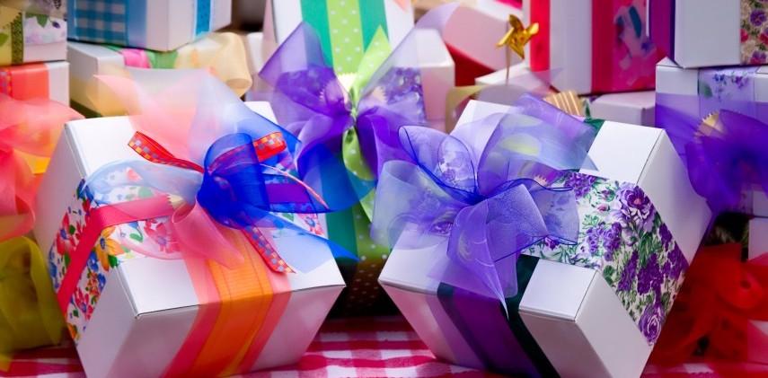 Best 11 Housewarming Gifts Makaaniq