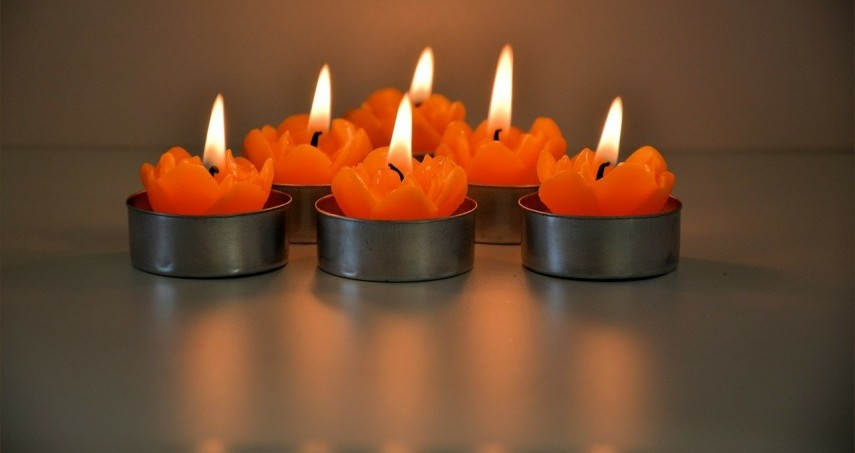 candles-314483_1280