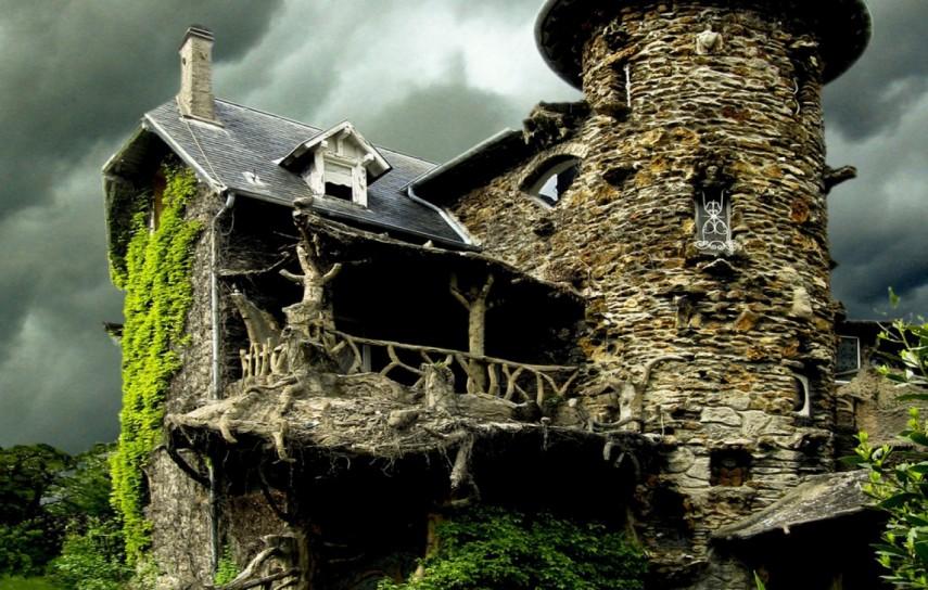 Maison de Sorciere in France (evasion.tv)
