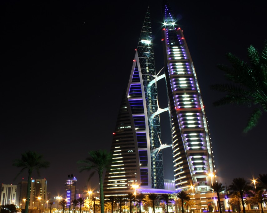 THE_WORLD_TRADE_CENTRE_BAHRAIN_AT_NIGHT