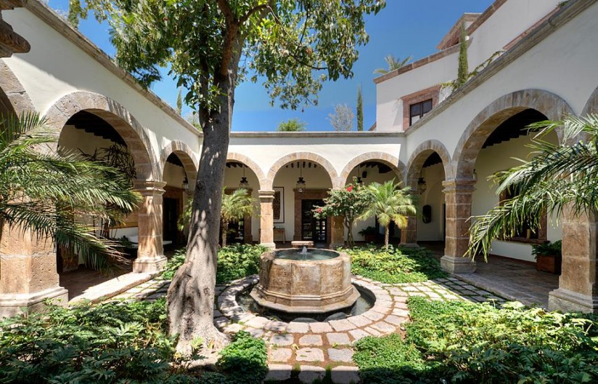 Do You Fancy Living In This 18th Century Mexican Mansion