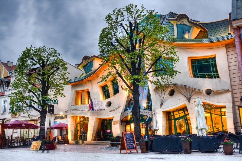 Crooked House (dreamstime)