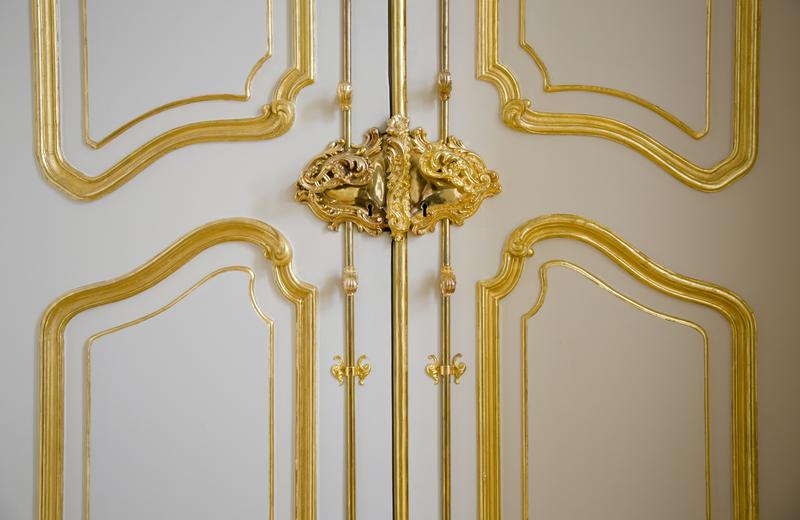 baroque door
