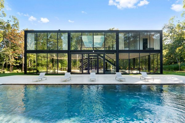 Living In A Glass House Is Now A Reality & Comes At A Price Tag Of $5.5 Mn