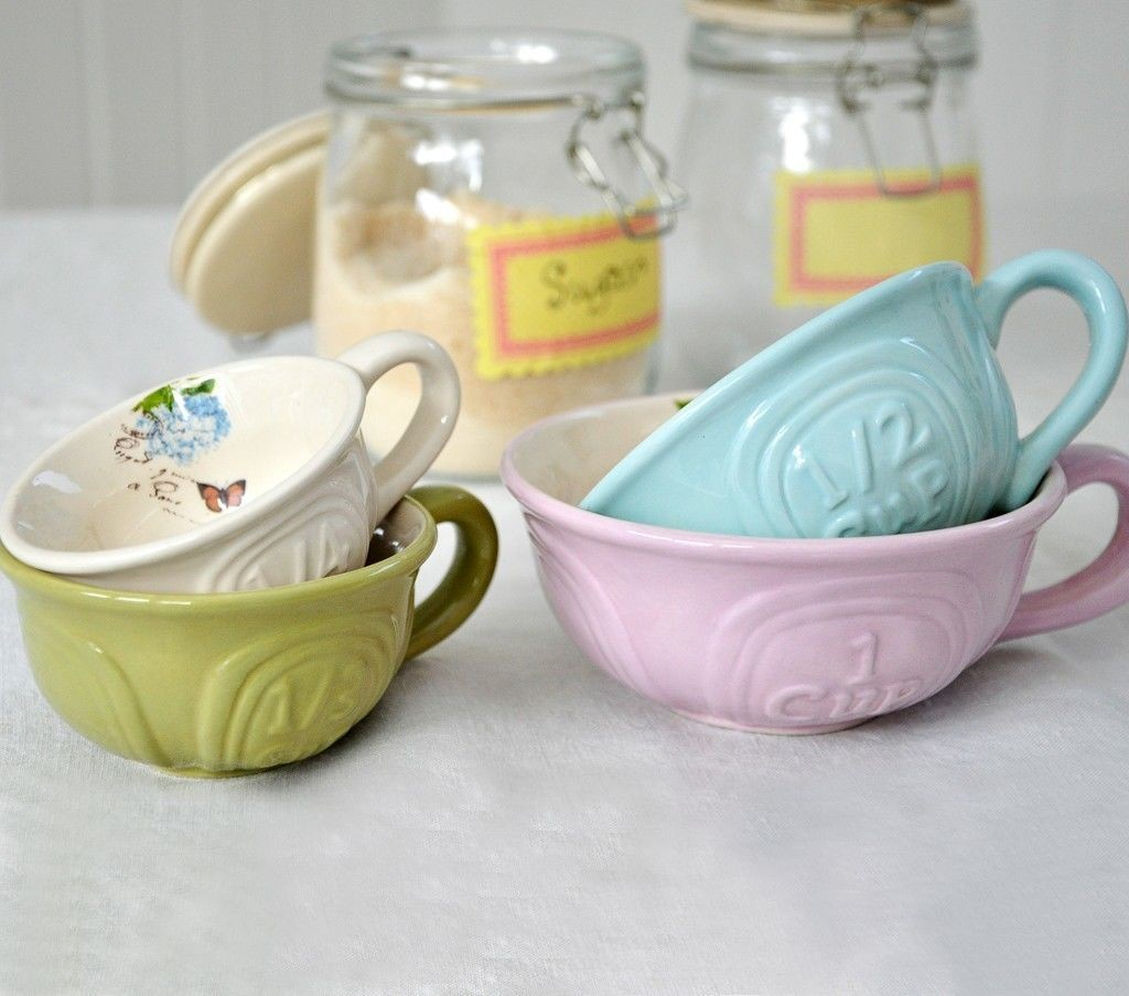 teacup measuring cup