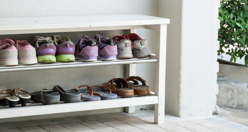 Vastu Tips For Placing Your Shoe Rack At Home