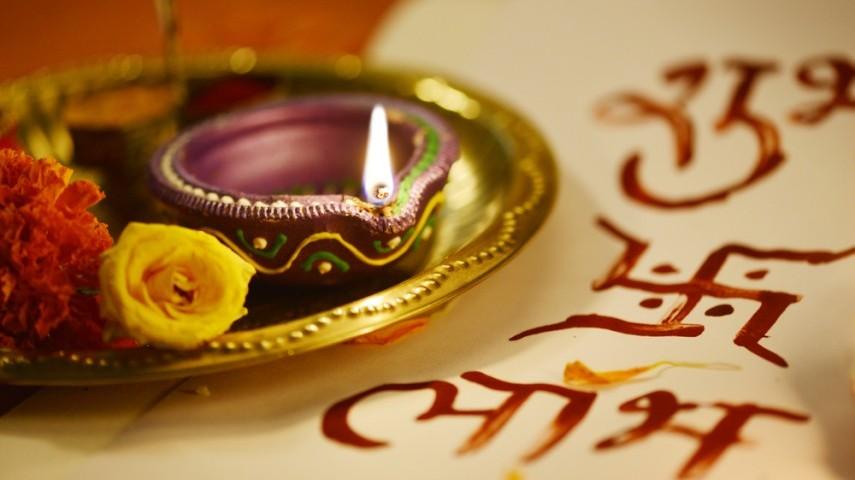 Diwali Laxmi Puja 2018: Auspicious Timings, Procedure And Vastu Tips