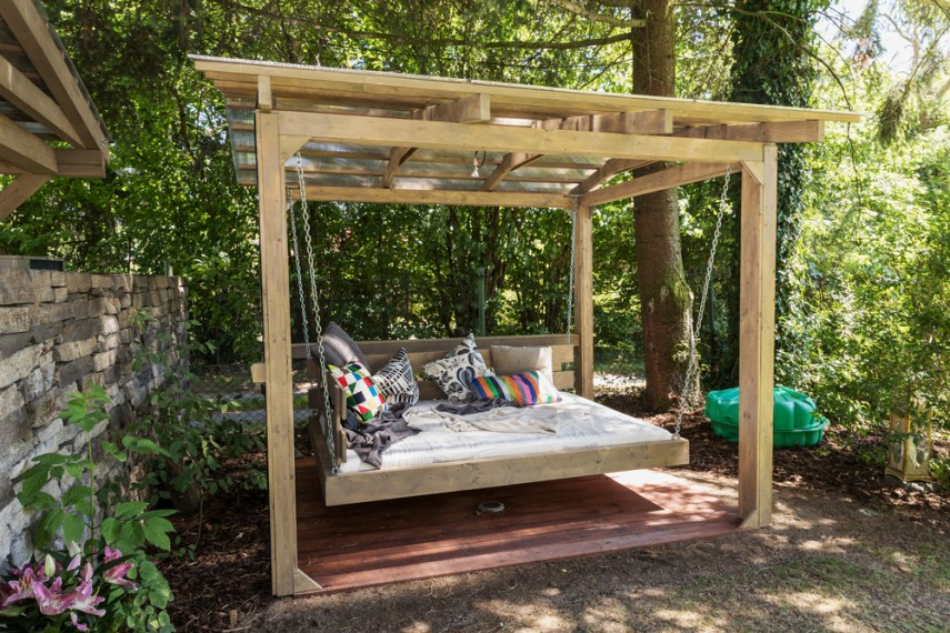 Outdoor seating bed